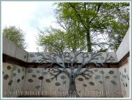 Bronze tree sculpture at Kew Gardens.