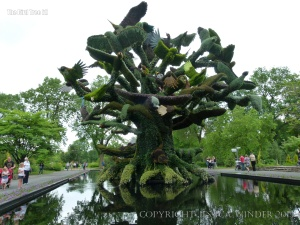 The Bird Tree Mosaiculture horticultural design at Jardin Botanique de Montreal