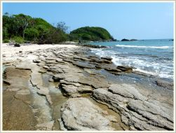 """Layers of modern """"beach rock"""" or cay sandstone on Normanby Island"""