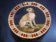 Late 18th century sweet box or bonbonniere with picture of a dog in micro-mosaic with hard stones and gold