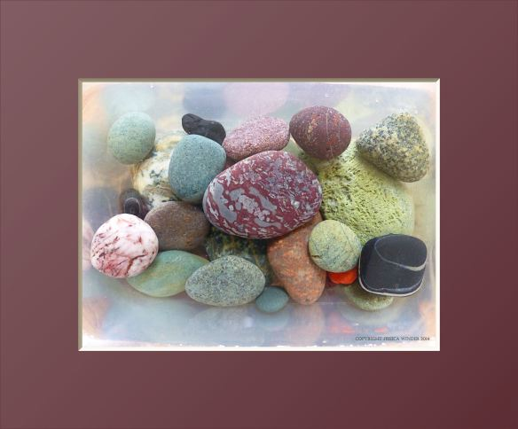 Colourful red and green pebbles