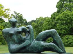 Henry Moore bronze sculpture at Kew Gardens