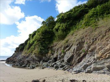 Limestone cliffs on the west side of Three Cliffs Bay
