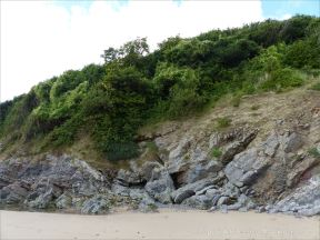 Limestone on the west side (north) of Three Cliffs Bay (context shot)