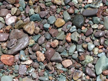Multi-coloured pebbles on the beach to the east of Partridge Island