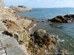 Metamorphic rocks on the shore of Havelet Bay