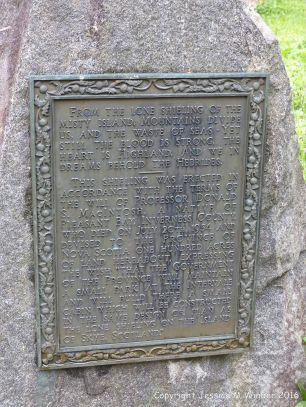 Commemorative plaque at Lone Shieling explaining its origin