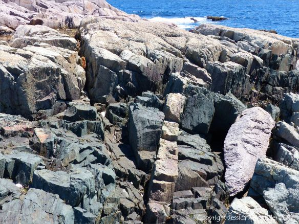Rock colour, pattern, and texture in Main-a-Dieu sequence volcanics near Louisbourg
