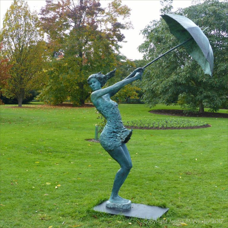 """Maelstrom"" bronze sculpture by David Williams-Ellis at Kew Gardens"