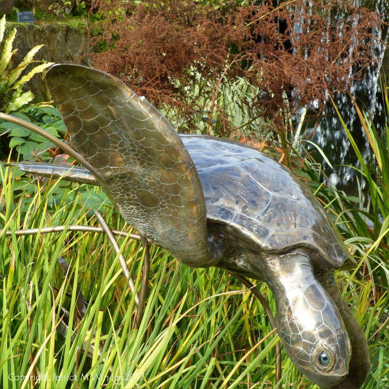 Turtles Swimming Through Kelp sculpture by Piers Mason at Kew Gardens