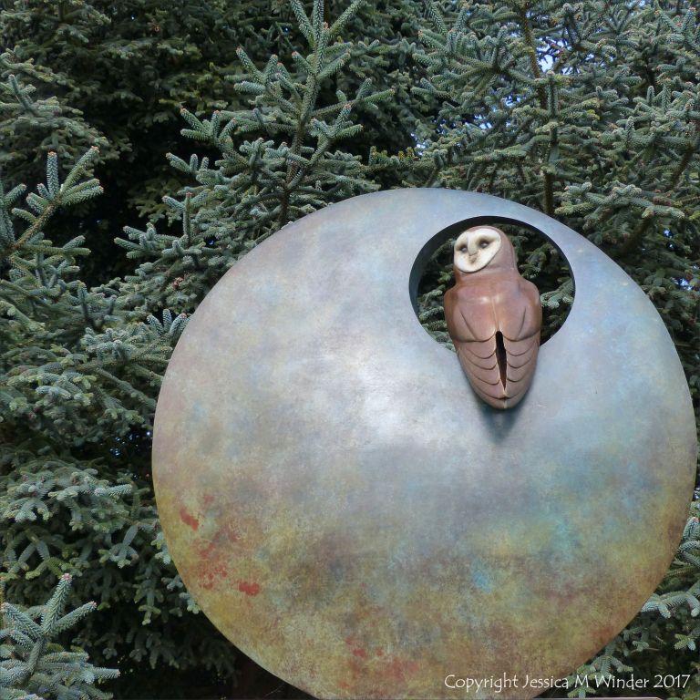 """Barn Owl"" sculpture by Simon Gudgeon at Kew Gardens"