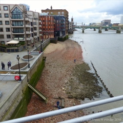 Urban beach on the north bank of the River Thames in London
