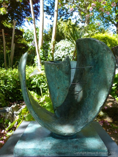 Bronze sculpture by Barbara Hepworth