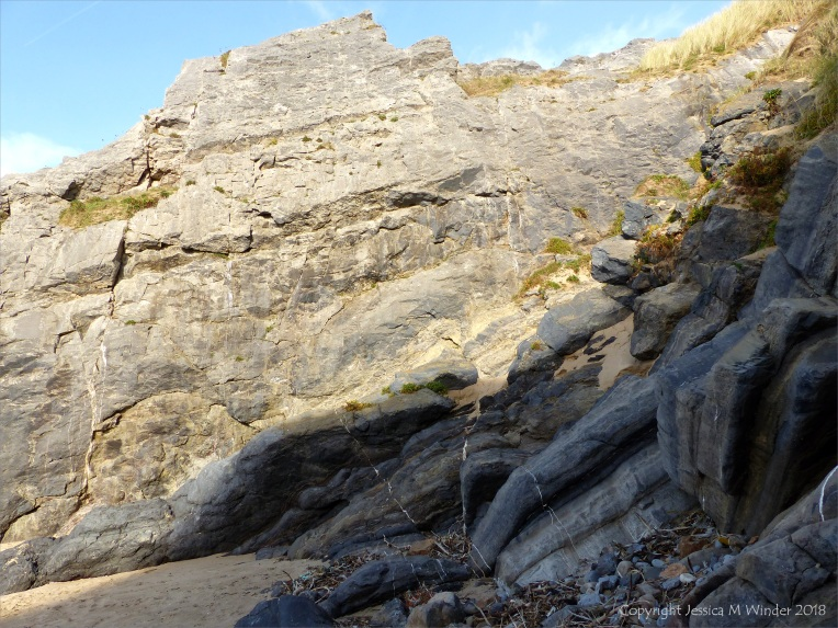 Prissen's Tor rocks at Broughton Bay in Gower, South Wales