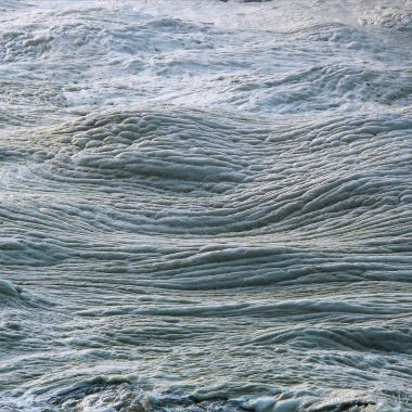 Natural patterns and texture in floating seafoam