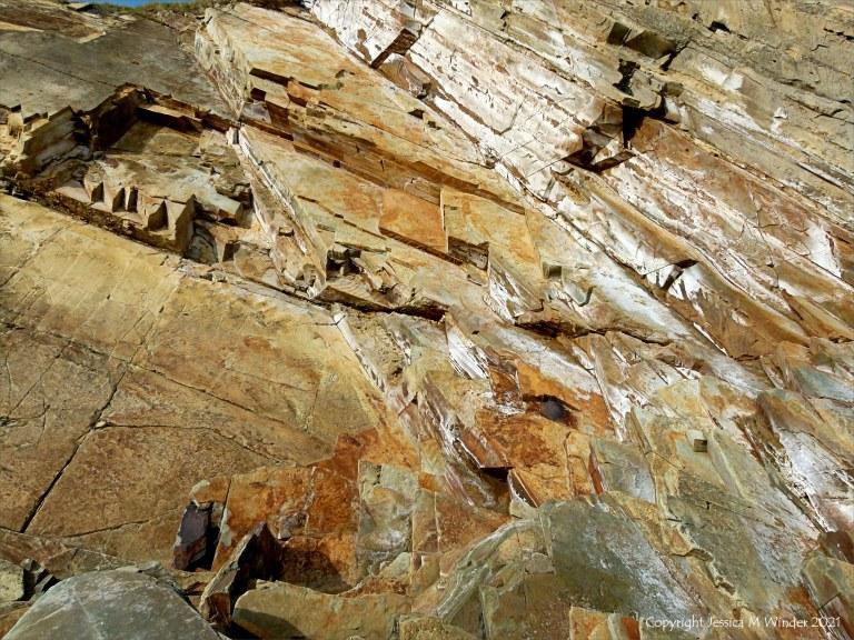 Natural patterns in rocks